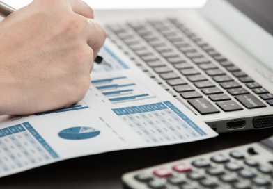 Marcação a mercado: o que é e como ela afeta seus investimentos?